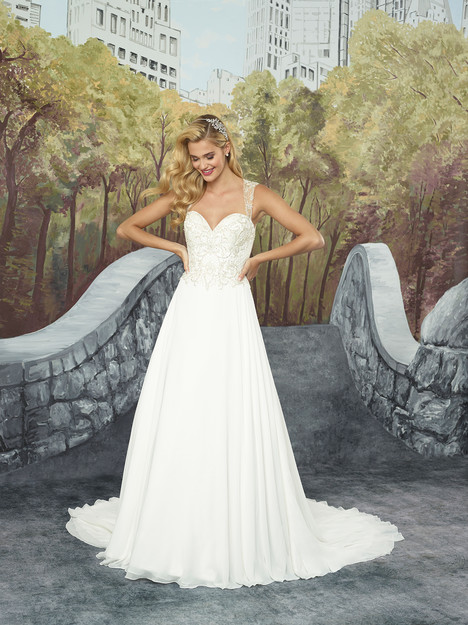 5e960dfb6b4 8931 gown from the 2017 Justin Alexander collection