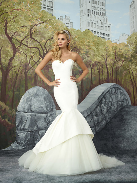 8933 gown from the 2017 Justin Alexander collection, as seen on dressfinder.ca