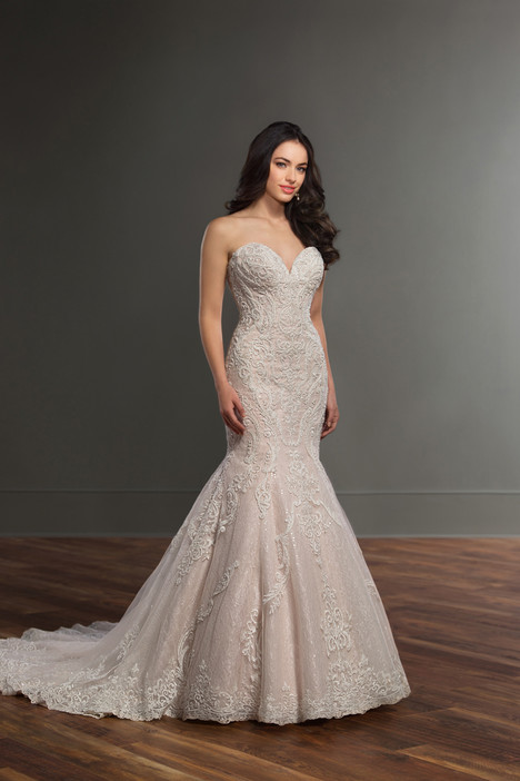895 gown from the 2017 Martina Liana collection, as seen on dressfinder.ca