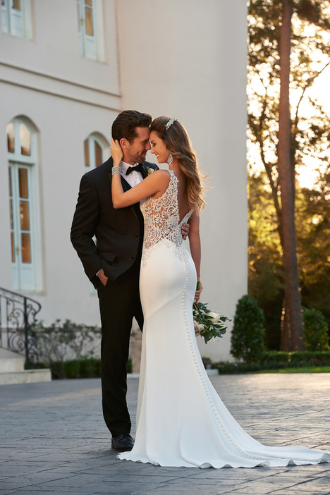 6534 (back) gown from the 2017 Stella York collection, as seen on dressfinder.ca