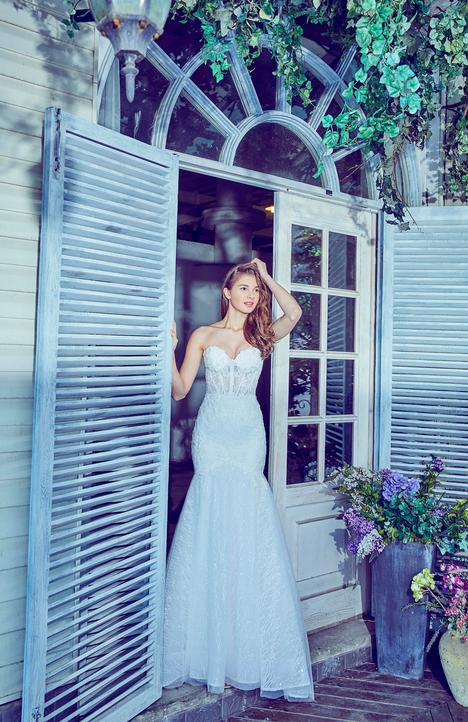 LA7277 gown from the 2017 L'Amour by Calla Blanche collection, as seen on dressfinder.ca