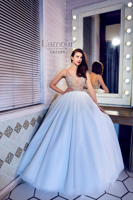 LA7285 gown from the 2017 L'Amour by Calla Blanche collection, as seen on dressfinder.ca