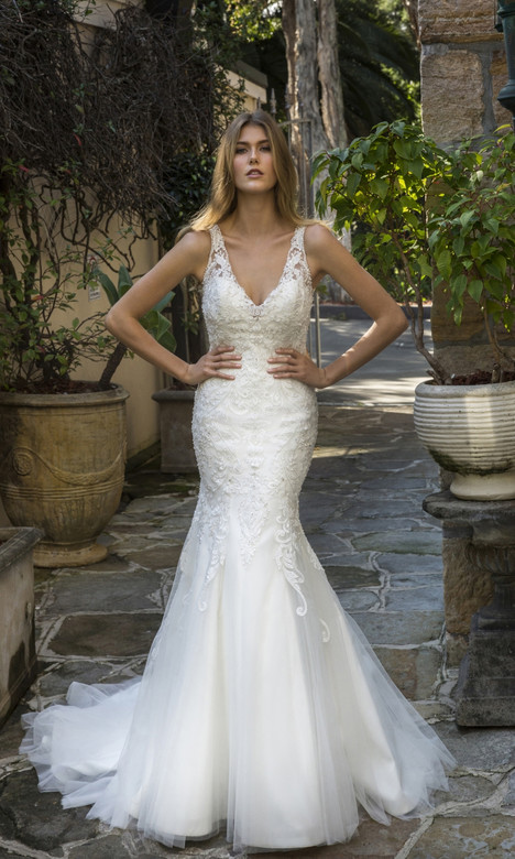 4335 gown from the 2018 Christina Rossi collection, as seen on dressfinder.ca