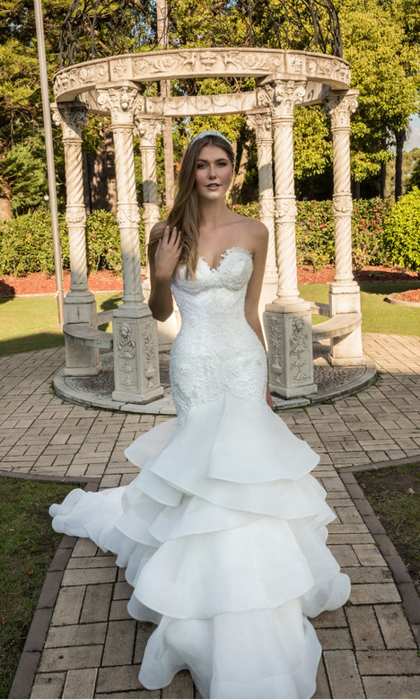 Merilyn gown from the 2018 Christina Rossi collection, as seen on dressfinder.ca