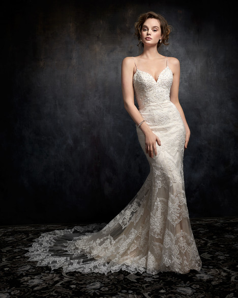 1738 gown from the 2017 Kenneth Winston collection, as seen on dressfinder.ca