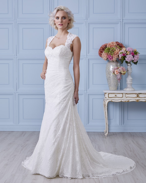 7404 gown from the 2017 Romantic Bridals collection, as seen on dressfinder.ca