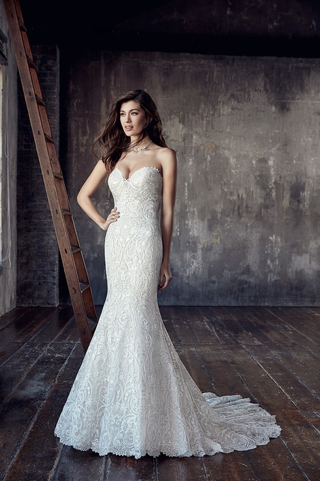 CT200 gown from the 2018 Eddy K : Couture collection, as seen on dressfinder.ca