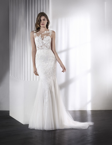 Leone gown from the 2018 St. Patrick collection, as seen on dressfinder.ca