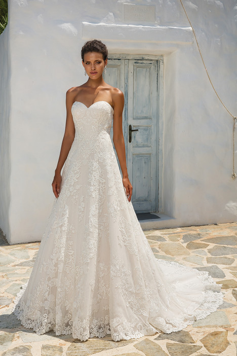 8955 (2) gown from the 2018 Justin Alexander collection, as seen on  dressfinder