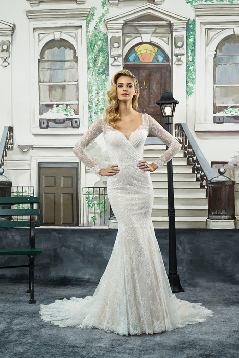 8959 gown from the 2018 Justin Alexander collection, as seen on dressfinder.ca