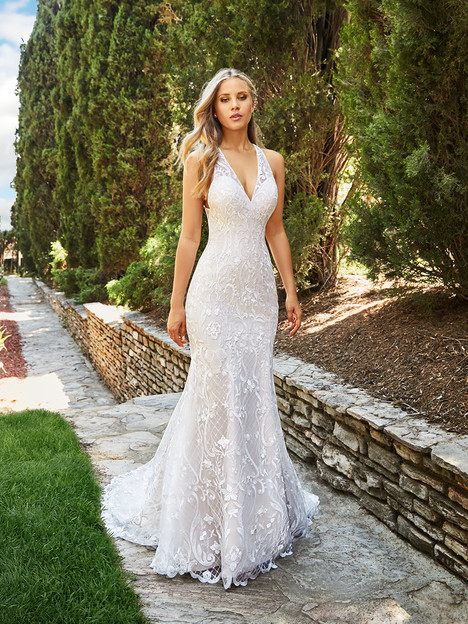 J6544 gown from the 2018 Moonlight : Collection collection, as seen on dressfinder.ca