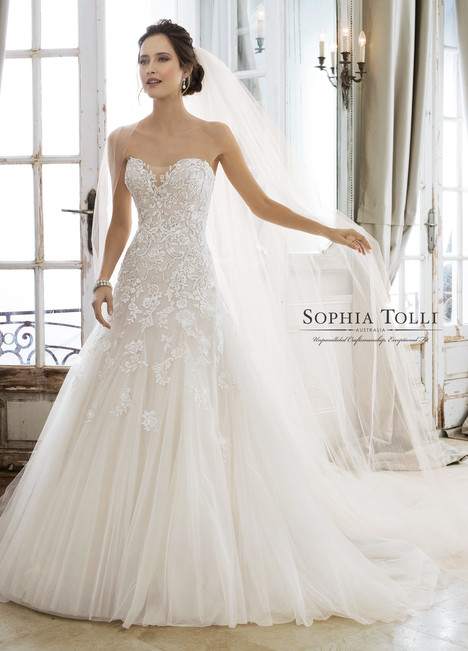 Adonia (Y11866) gown from the 2018 Sophia Tolli collection, as seen on dressfinder.ca
