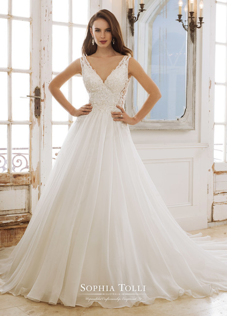 Peri (Y11882) gown from the 2018 Sophia Tolli collection, as seen on dressfinder.ca
