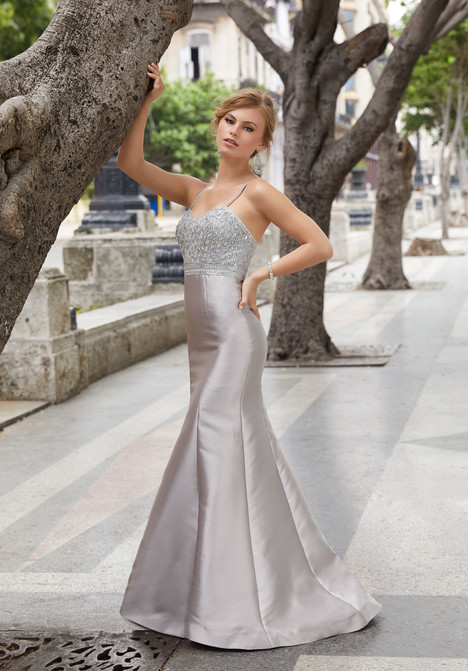42059 gown from the 2018 Mori Lee Prom collection, as seen on dressfinder.ca