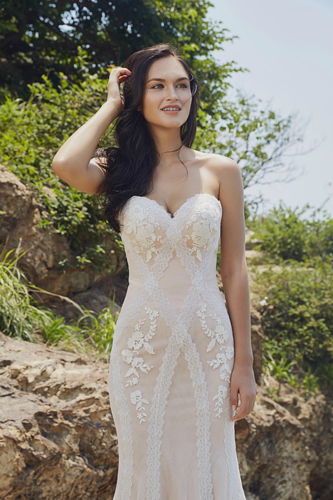 Devon gown from the 2017 Chic Nostalgia collection, as seen on dressfinder.ca