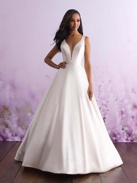 3100 gown from the 2018 Allure Bridals : Allure Romance collection, as seen on dressfinder.ca