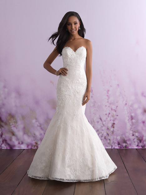 3111 gown from the 2018 Allure Bridals : Allure Romance collection, as seen on dressfinder.ca