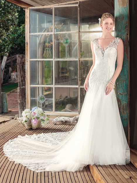 BL255 gown from the 2018 Beloved By Casablanca collection, as seen on dressfinder.ca