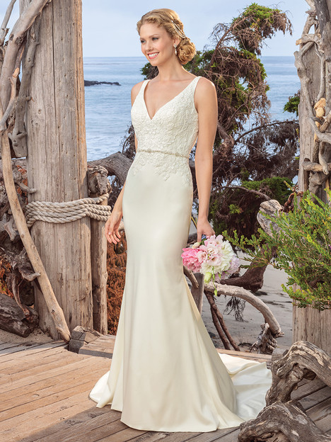 BL258 gown from the 2018 Beloved By Casablanca collection, as seen on dressfinder.ca
