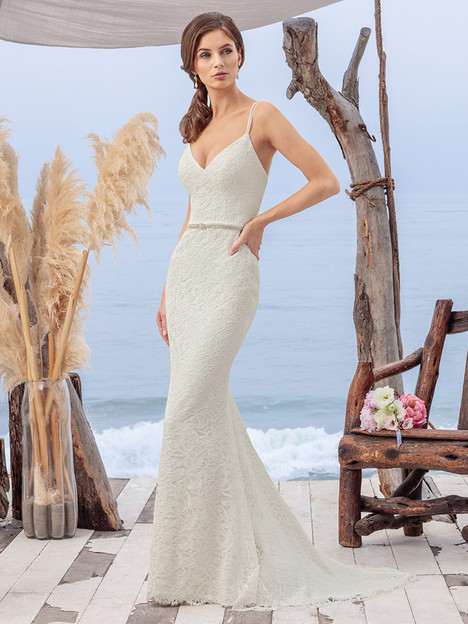 BL259 gown from the 2018 Beloved By Casablanca collection, as seen on dressfinder.ca