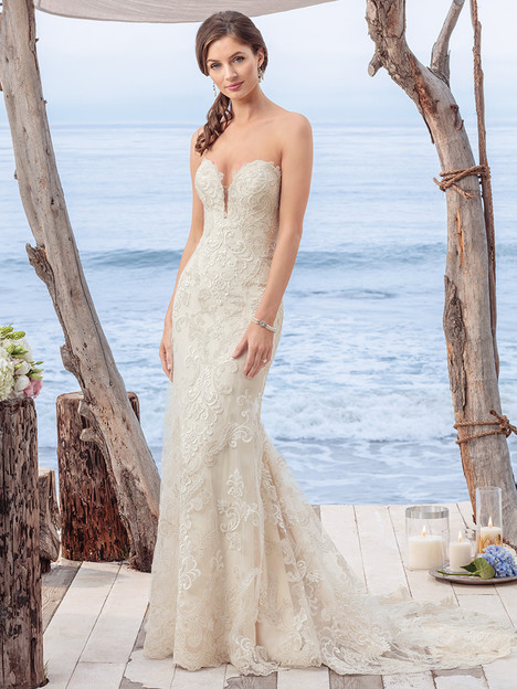 BL261 gown from the 2018 Beloved By Casablanca collection, as seen on dressfinder.ca