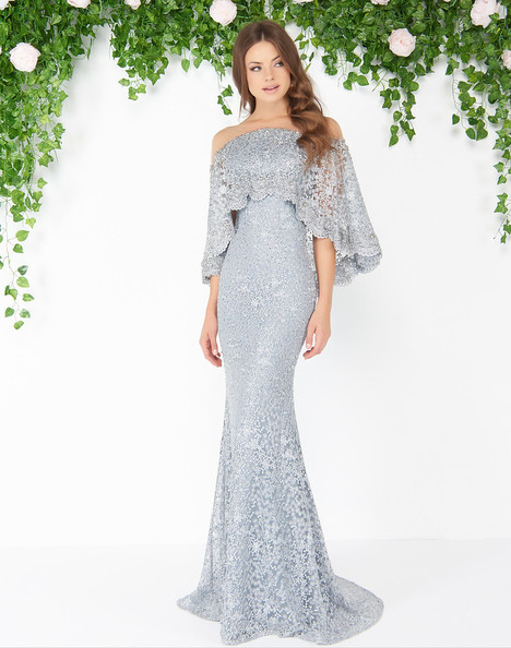 20072D (Pearl Gray) gown from the 2018 Mac Duggal : Couture collection, as seen on dressfinder.ca