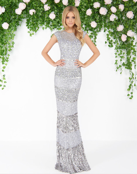 4579D (Platinum) gown from the 2018 Mac Duggal : Couture collection, as seen on dressfinder.ca