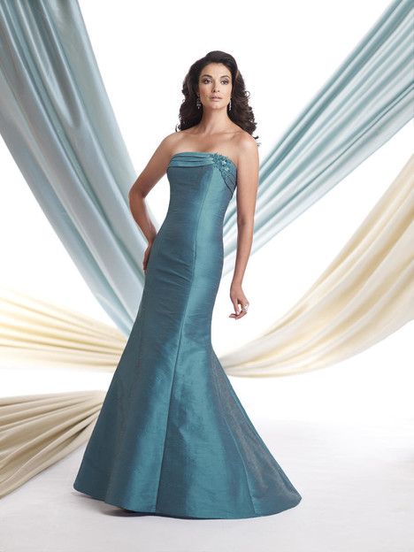 113904 gown from the 2013 Montage by Mon Cheri collection, as seen on dressfinder.ca