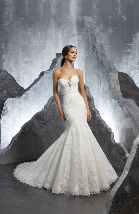 5607 gown from the 2018 Mori Lee: Blu collection, as seen on dressfinder.ca