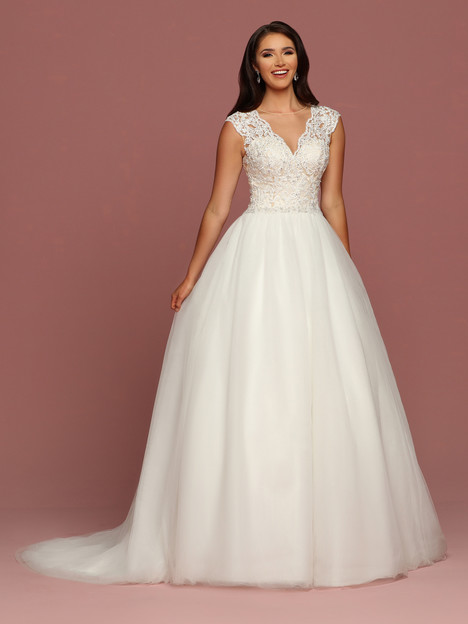 50490 gown from the 2018 DaVinci collection, as seen on dressfinder.ca