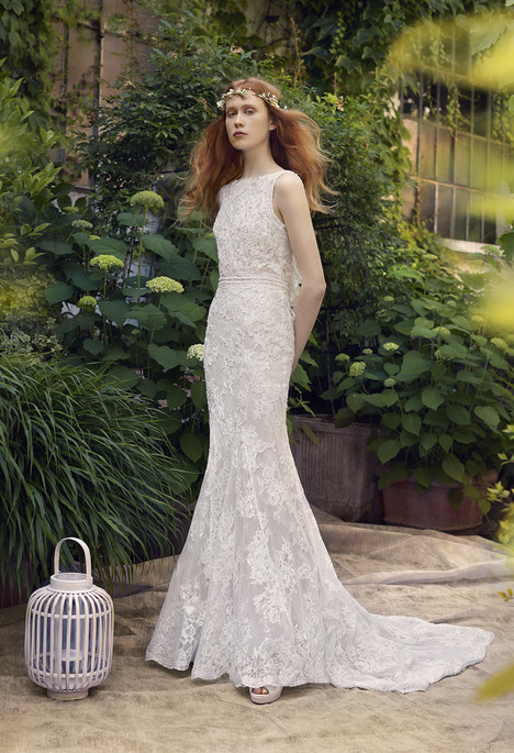 Amazone gown from the 2018 Annasul Y collection, as seen on dressfinder.ca