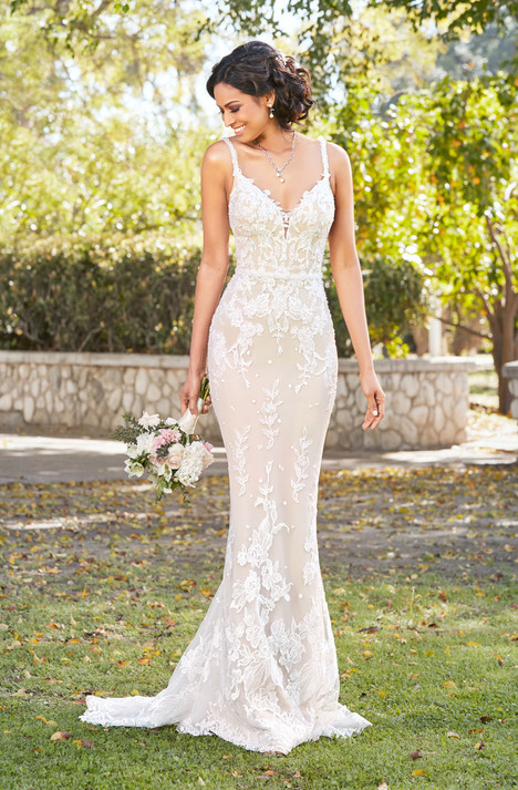 Laetitia (V1809) gown from the 2018 KittyChen Ivoire collection, as seen on dressfinder.ca