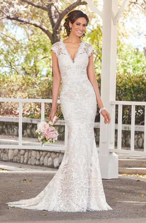 Michelle (V1811) gown from the 2018 KittyChen Ivoire collection, as seen on dressfinder.ca