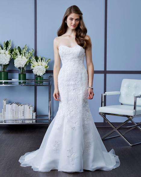 7602 gown from the 2018 Romantic Bridals collection, as seen on dressfinder.ca