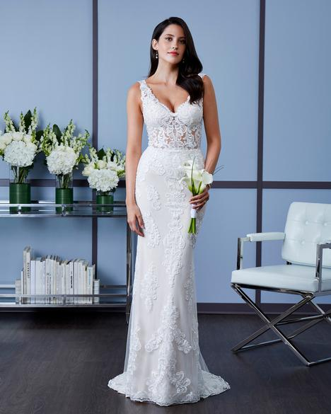 7612 gown from the 2018 Romantic Bridals collection, as seen on dressfinder.ca