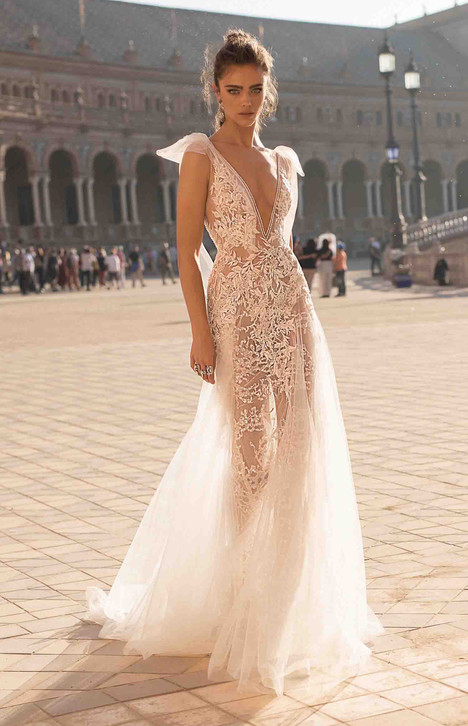 18 119 wedding dress by berta bridal dressfinder 18 119 gown from the 2018 berta bridal collection as seen on dressfinder junglespirit Image collections