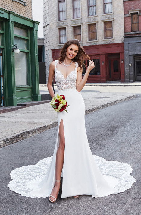 Liza (K1895) gown from the 2018 KittyChen Couture collection, as seen on dressfinder.ca
