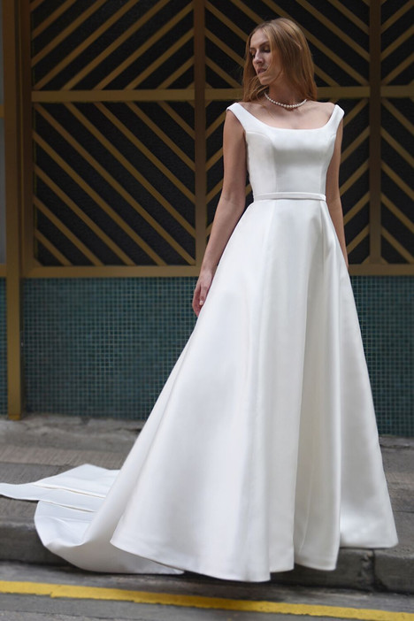Lizbeth gown from the 2018 Augusta Jones collection, as seen on dressfinder.ca