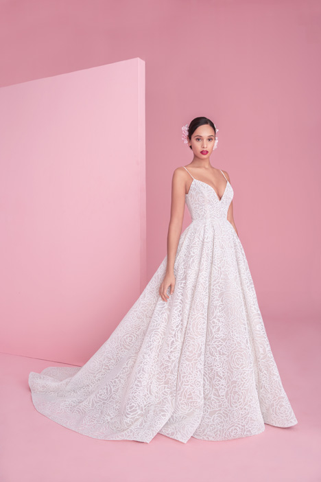 1852 Jardin gown from the 2018 Blush by Hayley Paige collection, as seen on dressfinder.ca