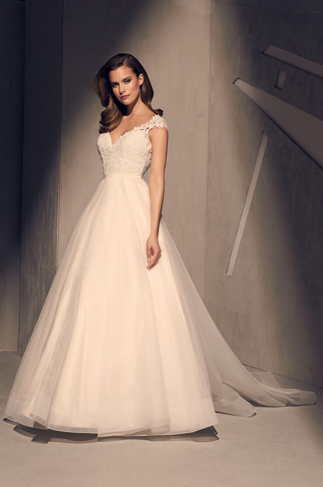 2212 gown from the 2018 Mikaella collection, as seen on dressfinder.ca