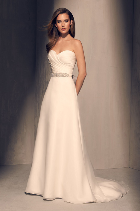 2213 gown from the 2018 Mikaella collection, as seen on dressfinder.ca