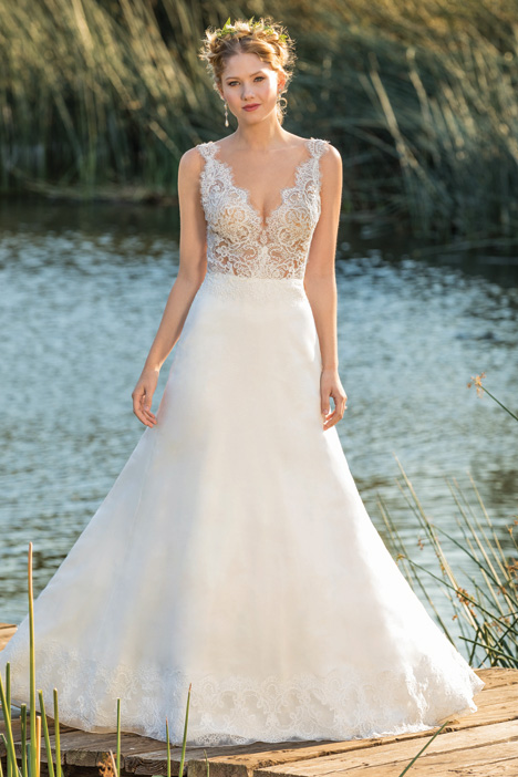 Norah gown from the 2018 Beloved By Casablanca collection, as seen on dressfinder.ca