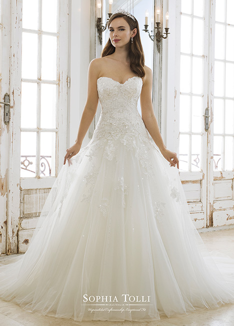 Kora (Y11881) gown from the 2018 Sophia Tolli collection, as seen on dressfinder.ca