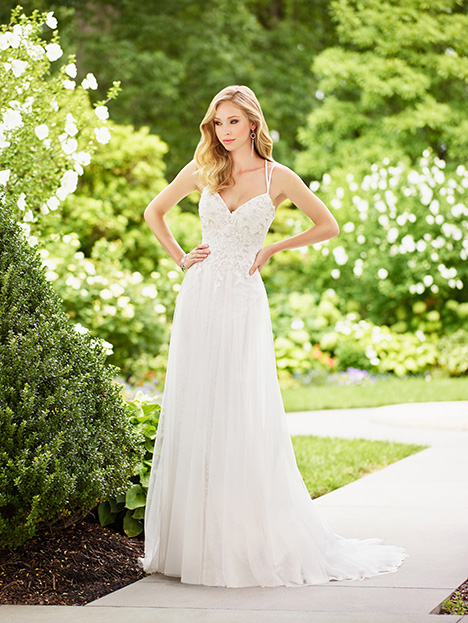 #118131 gown from the 2018 Enchanting by Mon Cheri collection, as seen on dressfinder.ca