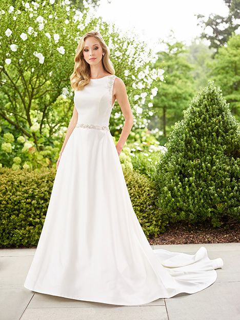 118140 gown from the 2018 Enchanting by Mon Cheri collection, as seen on dressfinder.ca
