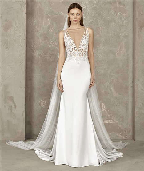 Yari gown from the 2019 Pronovias Privée collection, as seen on dressfinder.ca