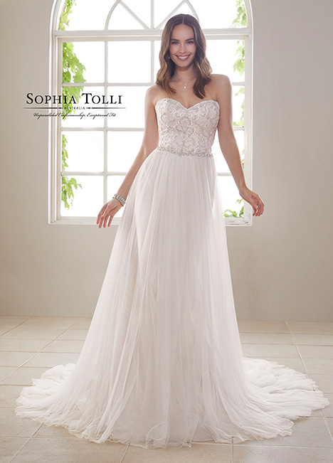 Y21815 gown from the 2018 Sophia Tolli collection, as seen on dressfinder.ca