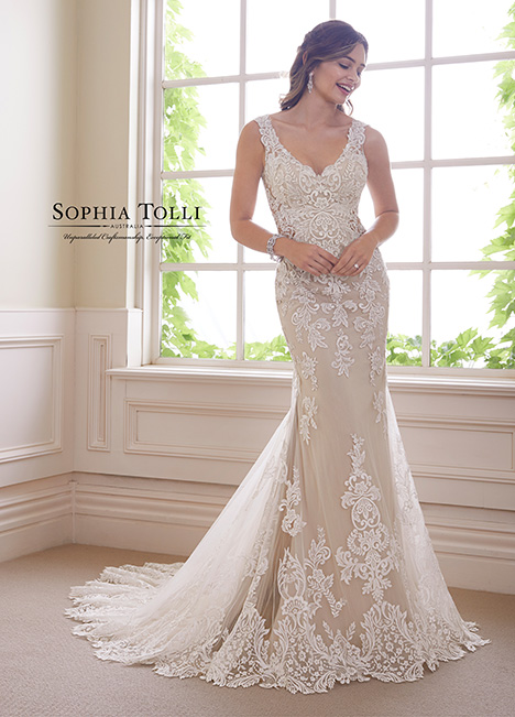 Y21819 gown from the 2018 Sophia Tolli collection, as seen on dressfinder.ca