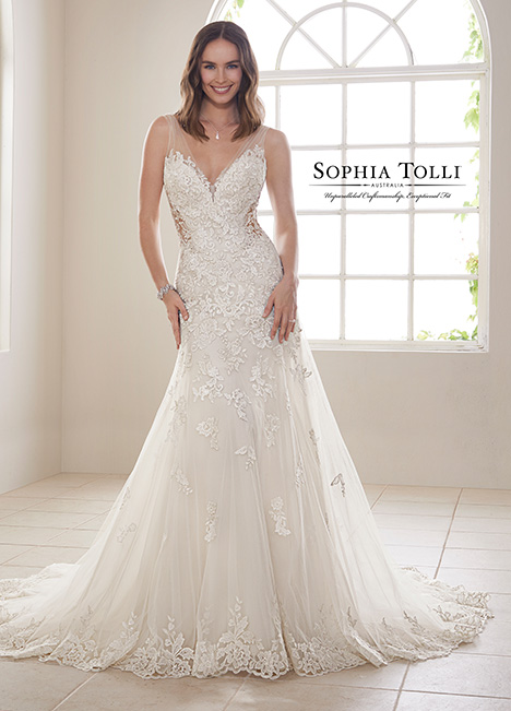 Y21830 gown from the 2018 Sophia Tolli collection, as seen on dressfinder.ca