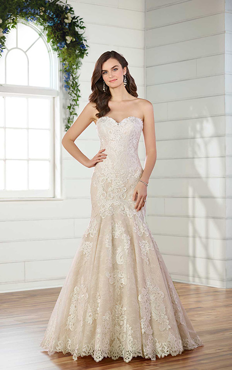 D2556 gown from the 2018 Essense of Australia collection, as seen on dressfinder.ca